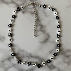 Balance daisy chain choker necklace